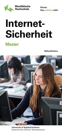 Das Deckblatt des Flyers zum Master Internet-Sicherheit zeigt eine junge Frau, die vor einem Computer sitzt.